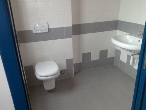Mantenere sempre pulito il proprio bagno aziendale | Pulizia e ...